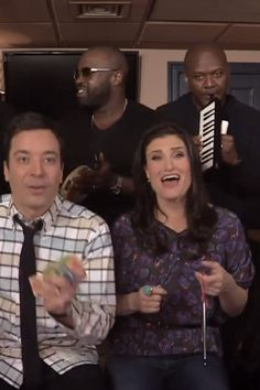 "Idina Menzel and Jimmy Fallon Perform Frozen's ""Let it Go"" With Classroom Instruments"