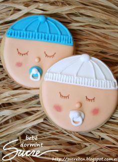 Galleta decorada de bebe durmiendo. Ideal para nacimientos o bautizos.
