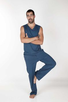 HANUMAN TROUSERS - Designed for maximun freedom for either a yoga practice, capoeira, running or any activity.  Hanuman trousers have deep spacious long legs. Extreme comfort with natural knitted cotton fabric.