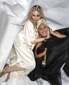 Another reason to remember these Oscars: thanks to the Madonna and Lady Gaga bury the hatchet. lady Gaga last night not only took home a prize but also that it served to sign the final peace with Madonna Michelle Rodriguez, Michelle Yeoh, Jennifer Lopez, Jennifer Hudson, Chloe Sevigny, Chloe Grace Moretz, Jaime King, Bradley Cooper, Images Lady Gaga