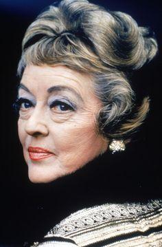 Bette Davis - Biography - Actress, Pin-up - Biography.com