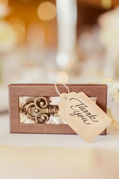 Skeleton Key themed vintage wedding  |  The Frosted Petticoat