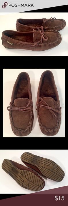 BearPaw Moccasins BearPaw moccasins in rich dark brown, size 6. BearPaw focuses on crafting high quality, natural products with both comfort and style. These moccicins are in great condition with minimal wear. BearPaw Shoes Moccasins