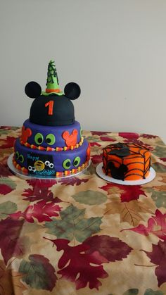 Halloween 1st Birthdays, Disney Halloween Parties, Halloween First Birthday, Mickey Mouse Halloween, Baby Birthday, 1st Birthday Parties, Birthday Ideas, Mickey Mouse Smash Cakes, Mickey Mouse Birthday Cake