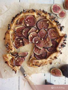 Fügés-krémsajtos galette | Sütidoboz.hu Pepperoni, Food And Drink, Pizza, Cookies, Baking, Recipes, Crack Crackers, Biscuits, Rezepte