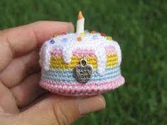 Resultado de imagem para croche brinquedos comida pastel