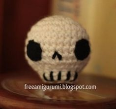 Free crochet patter amigurumi skull