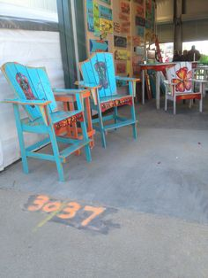 Patio chairs from pallets