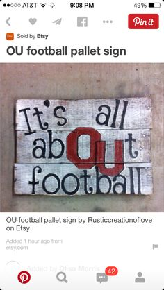 OU football pallet sign by Rusticcreationoflove on Etsy Oklahoma Sooners Football, Football Signs, Ou Football, Football Crafts, College Football, Pallet Crafts, Pallet Art, Pallet Signs, Wood Crafts