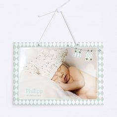 Türschild mit Satinband zum Aufhängen an die Kinderzimmertür, oder an die Wand als Dekoration fürs Babyzimmer.  Mit Hochglanz-Option bekommen Ihre Fotos noch einen extra Glanz. Modell BP01-023