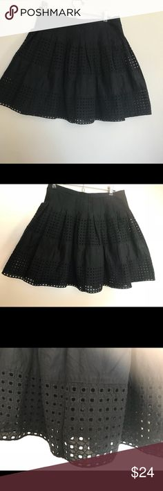 Gap skirt size 0 small black pleated Gap skirt. Beautiful. Excellent condition. gap Skirts Midi
