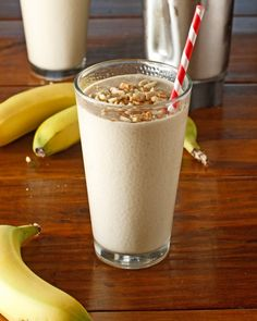 Peanut Butter Banana Smoothie Quick Healthy Breakfast Ideas – We confess: There are some (or more like, numerous) early mornings where it's everything . Healthy Fast Food Breakfast, Healthy Afternoon Snacks, Healthy Breakfast Smoothies, Healthy Snacks, Healthy Breakfasts, Fast Breakfast Ideas, Healthy Recipes, Eating Healthy, Smoothies Banane