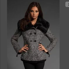 🆒 Gray Tweed Faux Fur Coat Juicy Couture This is such a classic. Theeee most beautiful dark gray tweed pea coat from Juicy Couture. Very well constructed coat. Beautiful liner and cozy detachable black faux fur collar. Cute zipper hardware on the cuffs. I love the tailored fit of this pretty little coat. Size medium. Always love fun offers! 💗👭🎀👠💍👜👗💄👚👢👛👓🌂👙👡👖💰 Juicy Couture Jackets & Coats Pea Coats