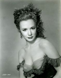 Piper Laurie, 1954. S) Ms.Laurie was born in 1932, is still living. I remember her having one of the sexiest voices of any American actress. (SP)
