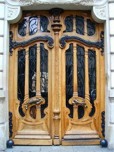 151 Rue de Grenelle (1898) by architect Jules Lavoritte