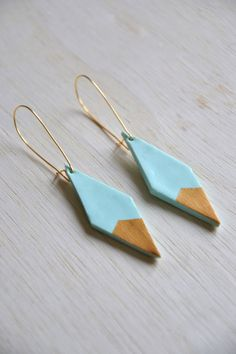Geometric earrings  Turquoise and gold by Poetrysnotdead on Etsy, €12.00