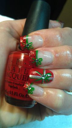 Pretty presents - Christmas nail art #nailart #christmas