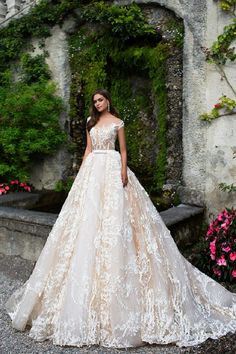 Cap sleeve wedding dress Milla Nova Wedding Dresses 2017 | itakeyou.co.uk #weddingdress #weddingdresss #wedding #capsleeve #bridalgown #weddinggown #weddinggowns #bridalgown #bridalgowns