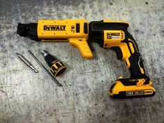 Dewalt brushless collated screwgun £334.99 inc vat supplied with 2 x 2ah 18v batteries, charger and case ONLINE CODE: DEWDCF620D2K #dewalt #screwgun #drywall #plaster #tools #drill #cordless #dewalttools #dewaltuk #dewalttough #romfordtools