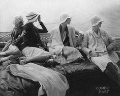 Conde Nast. Vintage photo. Too Cute Things