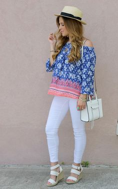 Try out these chic college girl fashion outfits ideas and see the magic that happens. Building a colorful wardrobe is really a tough job to do for college Mode Outfits, Girl Outfits, Fashion Outfits, Fashion Pics, Oufits Casual, Casual Outfits, Girls Dresses Age 12, Little Girl Fashion, Kids Fashion