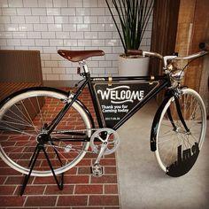 kiyoriさんはInstagramを利用しています:「友人に作ってもらったウェルカムボード🤗  結婚式する事になったら絶対この子に頼もうって前から決めてから、まさに万願成就!  デジタルのこのご時世にアナログで描いてくれました。ありがとう😌  高校時代一緒に通ったラーメン屋のモチーフを入れてくるあたりもニクい😏…」 Thank You For Coming, Bicycle, Wedding, Instagram, Valentines Day Weddings, Bike, Bicycle Kick, Bicycles, Weddings