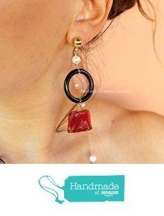 Orecchini KORAL in argento 925 placcato oro, corallo autentico rosso, cerchi in corno e perle di fiume da Melania Gorini Jewelry https://www.amazon.it/dp/B01M1OASTR/ref=hnd_sw_r_pi_dp_HsgqybFGXZWTQ #handmadeatamazon