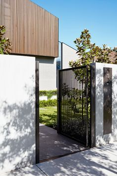 Refined Meets Robust Caulfield Residence By Travis Walton Architecture Caulfield Vic Australia Image 18 Front Gate Design, Entrance Design, Facade Design, Fence Design, Door Design, Exterior Design, Interior And Exterior, House Design, Architecture Images