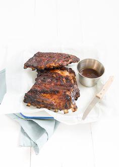 Spareribs - oven gegaard en nog even op de barbecue Alive And Cooking, Spare Ribs, Food Court, Dinner Is Served, I Love Food, Bbq, Diet Recipes, Slow Cooker, Oven