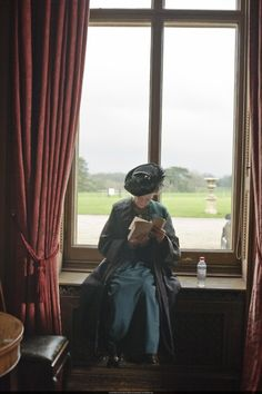 Maggie Smith in Downton Abbey's  set.