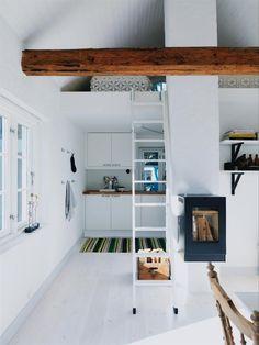 Tiny living space with loft Mini Loft, Tiny Living, Living Spaces, Sweden House, Tiny House Movement, Wood Beams, White Walls, White Wood, Decoration