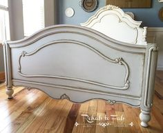 I took this boring white bed and turned it into a gorgeous French style oasis that will surely give you beauty sleep! *this post contains affiliated link* I used General Finishes Antique White Milk Paint. After the paint was dry, I used General Finishes water based top coat, Flat out Flatto seal the paint. Which … Continue reading Antique shadowing with General Finishes glaze… →