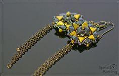 Material:  * Kheops par Puca  --- in our Etsy Shop   * Pinch Beads  --- in our Etsy Shop   *  Matubo beads  --- in our Et...