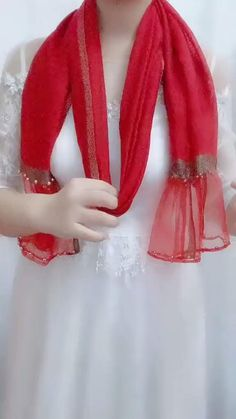 Ways To Tie Scarves, Ways To Wear A Scarf, How To Wear Scarves, How To Fold Scarf, Blouse Styles, Scarf Styles, Scarf Wearing Styles, Wearing Scarves, Fancy Blouse Designs
