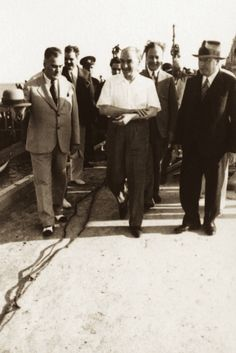 Atatürk ve Karakteri | MustafaKemâlim Turkish Army, The Legend Of Heroes, The Turk, Military Academy, Ulsan, Great Leaders, Historical Pictures, The Republic, Revolutionaries