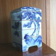 blue & white ceramic jubako