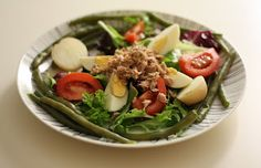 Healthy salad (salade nicoise, without black olives)