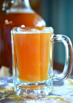 Easy Organic Honey Kvas Recipe is perfect refreshing Russian drink on a hot summer days. Kvas is one of the most popular Russian drinks. Probiotic Drinks, Non Alcoholic Drinks, Kefir, Kombucha, Mead Alcohol, No Sugar Added Recipe, Fermentation Recipes, Homebrew Recipes, Russian Recipes