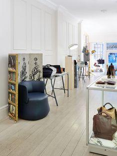 Share-Design-A-ESQUE-Excusive-Sale-03 Concept Shop, Retail Interior, Retail Space, Beautiful Images, Showroom, Amanda, Design Inspiration, Interior Design, Architecture
