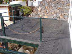 Tarima de exterior Outdoor Tables, Outdoor Decor, Outdoor Furniture, Home Decor, Hands, Homemade Home Decor, Decoration Home, Patio Table, Yard Furniture