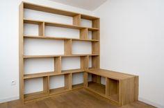 Une bibliothèque d'angle sympa avec le plan et tout et tout...
