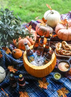 The Cutest Way to Serve the Best Pumpkin Beer - Hot Pretzel Bar - This is the cutest way ever to serve the best pumpkin beer! If you do a pumpkin beer party of a pum - Pumpkin Beer, Best Pumpkin, Pumpkin Spice, Beer Tasting Parties, Dinner Parties, Apples And Cheese, Beer Cheese, Soft Pretzels, Mo S