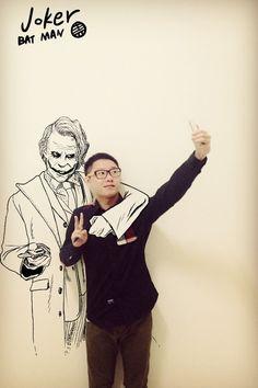 Mélange entre réalité et dessin par Gaikuo-Captain. Ses montages plein d'humour offrent de beaux clins d'oeil à des héros de comics, de dessins animés et de mangas.