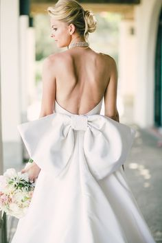Photography: Mi Belle - mibelleinc.com/  Read More: http://www.stylemepretty.com/2015/05/06/stylish-montecito-country-club-wedding/