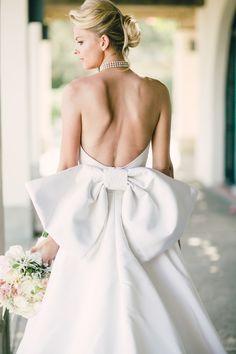 Photography: Mi Belle - mibelleinc.com/  Read More: http://www.stylemepretty.com/2015/05/06/stylish-montecito-country-club-wedding/