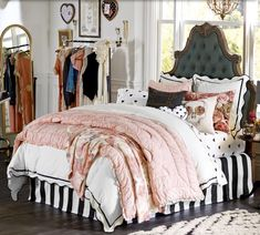 Pottery Barn Teen @pbteen created a fun and sassy bed room for a teen or adult with great taste. Every lady could use some bling, stars, stripes, flowers, class with some sass✨ The  @pbteen website is an option or one can use these pics as inspiration to create your own look or DIY some of these looks.