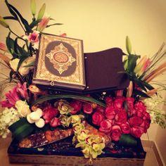 ⊶◌ ҉ ŝώέέţ ŝùмί ҉ ◌⊷ Allah Islam, Islam Quran, Quran Karim, Quran Book, Islamic Paintings, Peace And Love, My Love, Science Illustration, Prayer Room