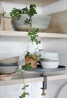 we life is good Home Interior, Interior Styling, Interior Design, Living Room Lounge, Indoor Flowers, Wood Interiors, Traditional Kitchen, Home Decor Inspiration, Home And Living