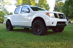 The best nissan frontier lifted trucks 31 Nissan Trucks, Suv Trucks, Cool Trucks, Pickup Trucks, Nissan Navara 4x4, Navara Tuning, Nissan Frontier 4x4, Tundra Truck, Lifted Tundra