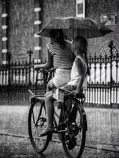Rainy day in Amsterdam // by Edwin Loekemeijer